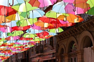 floating-umbrellas-installation-agueda-portugal-4
